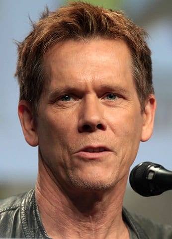This image has an empty alt attribute; its file name is 346px-Kevin_Bacon_SDCC_2014.jpg