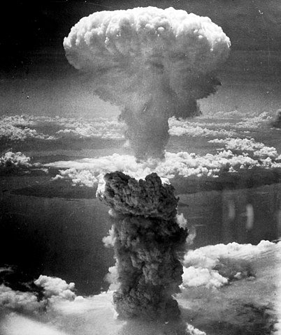 This image has an empty alt attribute; its file name is Nagasaki-Bomb.jpg